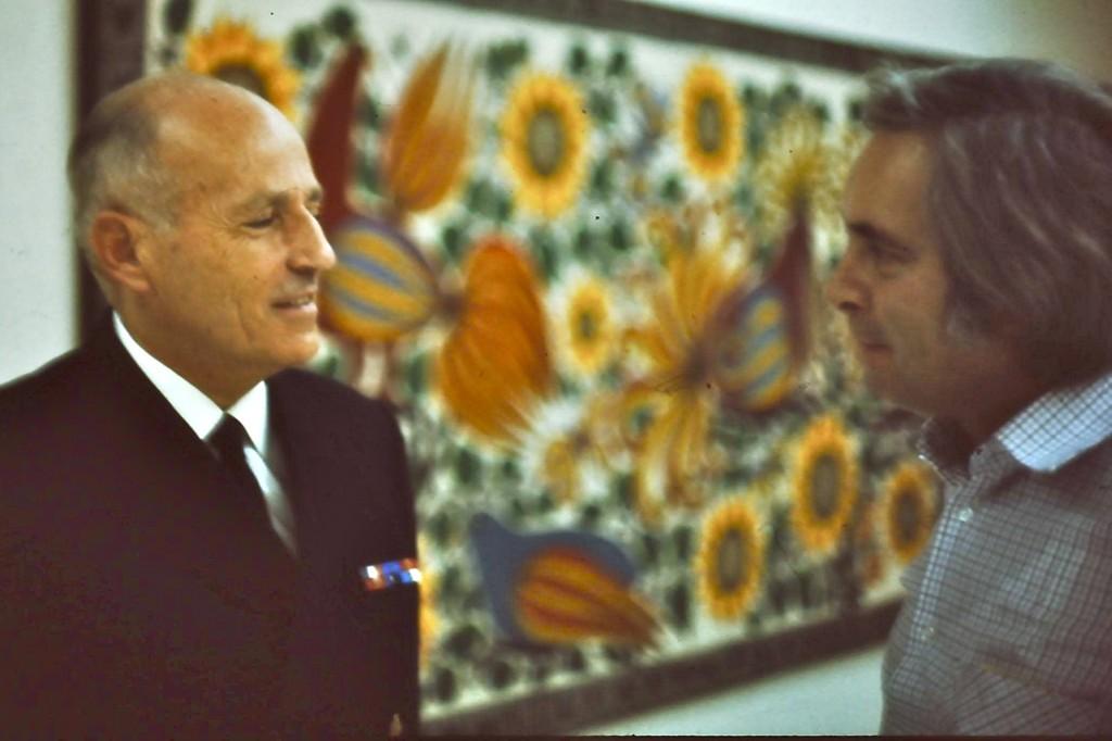 À l'occasion de l'interview du général Pinochet, Peter Hellmich face à l'amiral Ismaël Huerta photographié par Miguel Herberg en janvier 1974.
